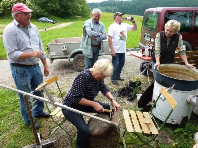 Bilder zum sensenkurs kreisverband f r gartenbau und landespflege starnberg - Gartenbau starnberg ...